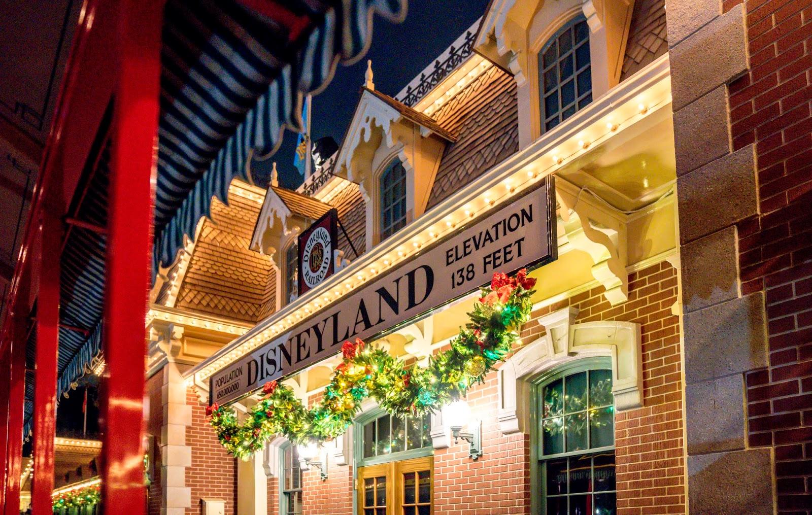 Disneyland Park Vs Disney Adventure Park Vs Universal