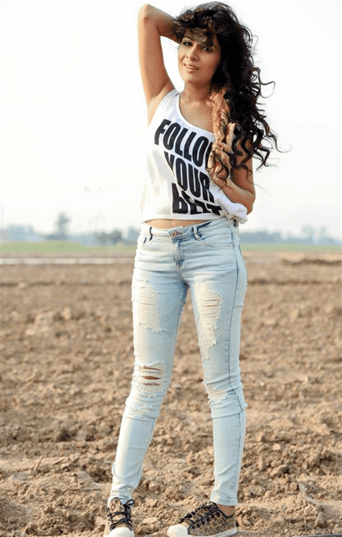 Sara Gurpal Punjabi Actress Model Singer HD Wallpaper Photo Images