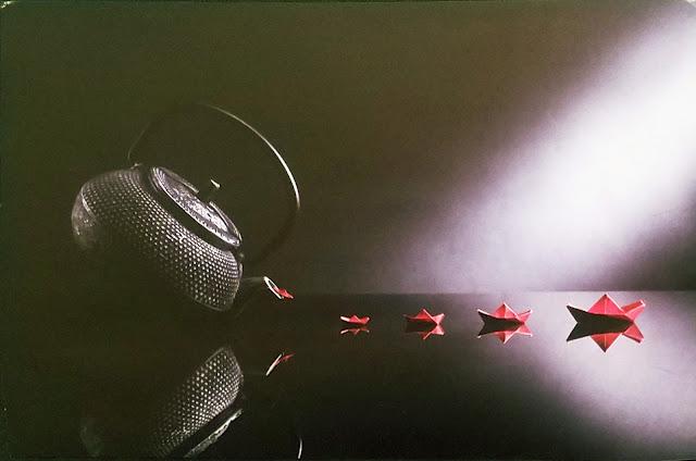 """межрегиональная выставка фотонатюрморта """"Весь мир - театр. Внимание на экспериментальную сцену!"""": Валерия Иванова (Москва) - Redboats"""