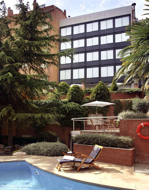 Les plus beaux hotels design du monde h tel balmes - Barcelone hotel piscine interieure ...