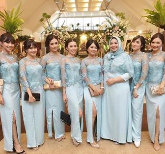 Contoh Baju Kebaya Seragam Keluarga Pernikahan