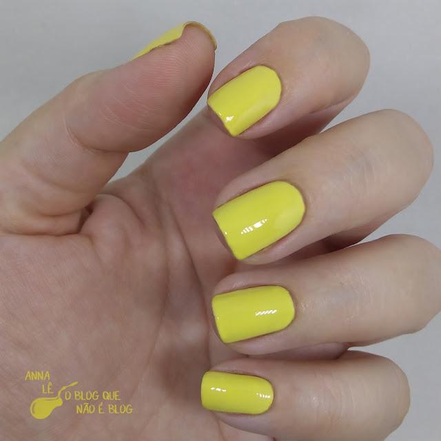 Yumi Cora Esmalte Nailpolish Amarelo Pastel Cremoso