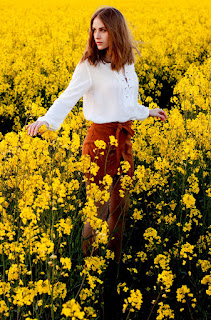 http://www.rebelrosefashion.com/2016/04/canola-fields-forever.html