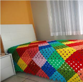 Kare Renkli Motifli Örgü Battaniye