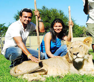 Kedar Jadhav With Famliy