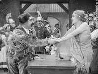 """Эдна Первайэнс и Джон Рэнд в к/ф """"Пародия на Кармен"""" / Burlesque on Carmen (1916) - 7"""