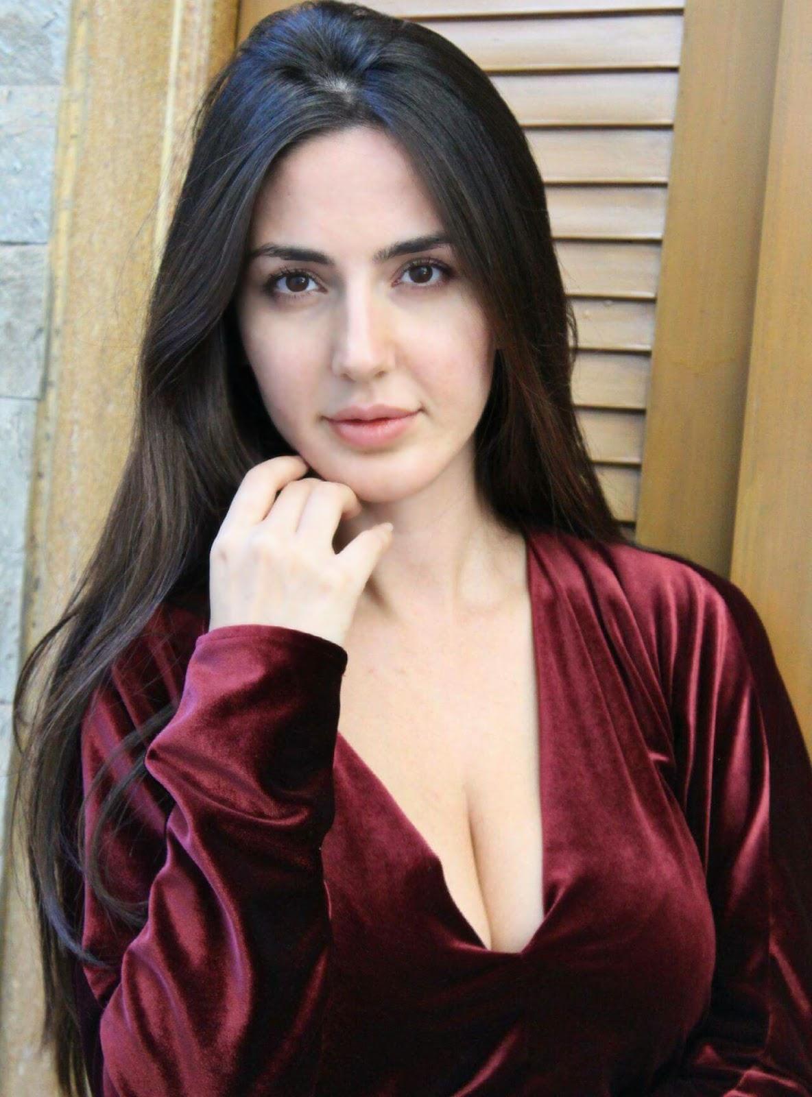 Farah Karimaee latest hot photos