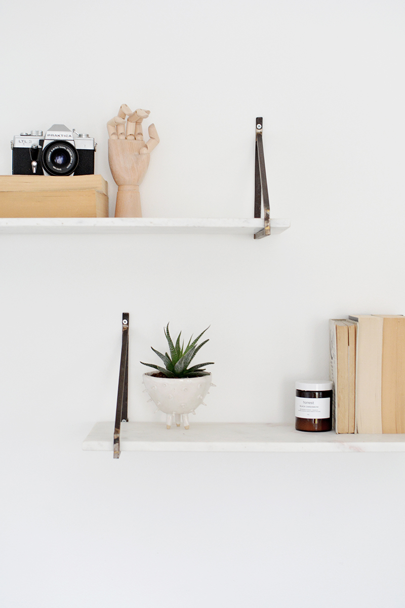 3 ways to style a shelf