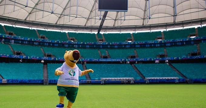 Mascote da Copa América visita a Fonte Nova e pontos turísticos de Salvador