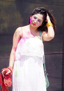Madhulagna Das Playing Holi Celebrations in white Tank Top 09.jpg