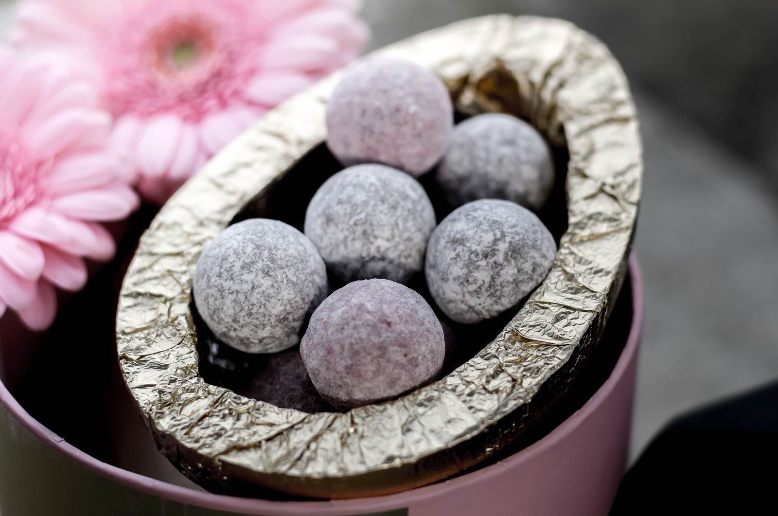 Hotel Chocolat Luxury Champagne Truffles Easter Egg