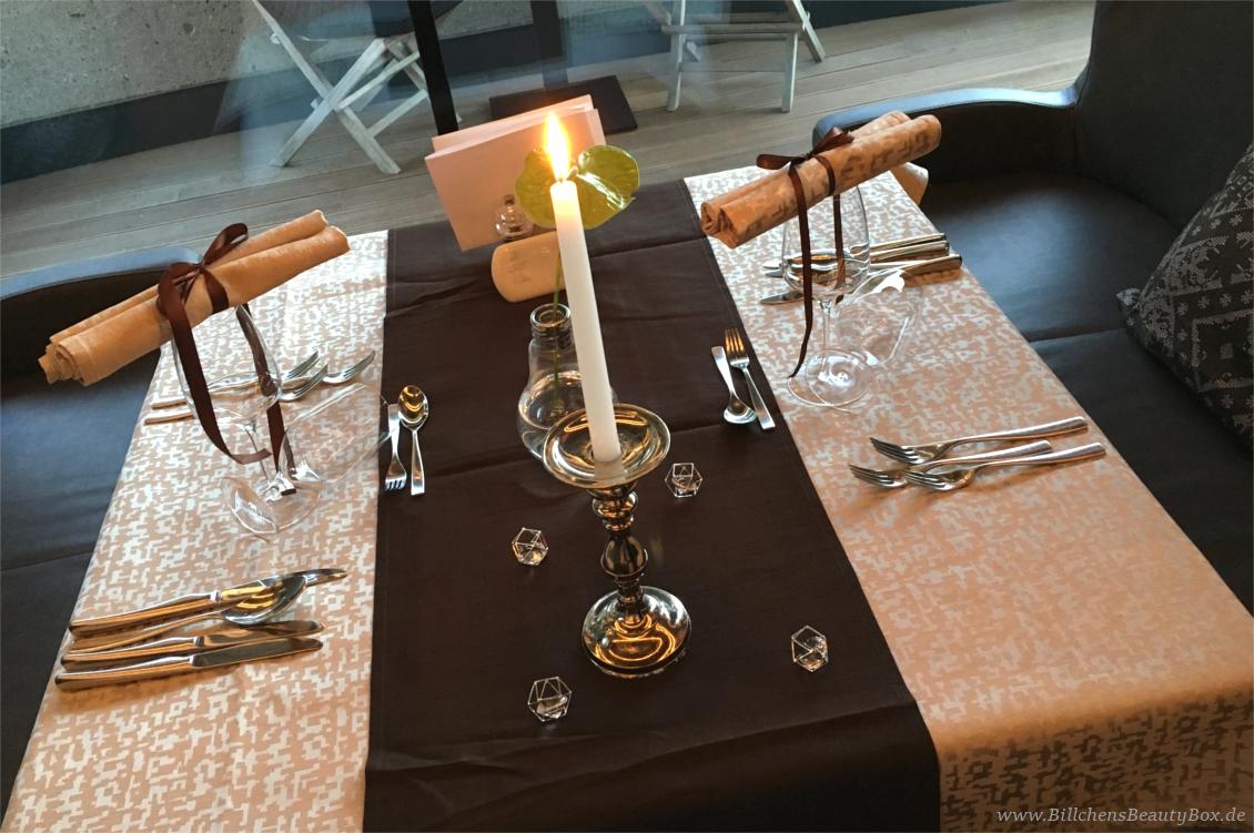 Wellnesshotel Alpenschlössl - Ahrntal Südtirol - Restaurant - Tischdekoration Abendessen