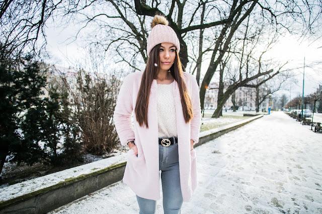 Pastelowa stylizacja zimą  - Czytaj więcej