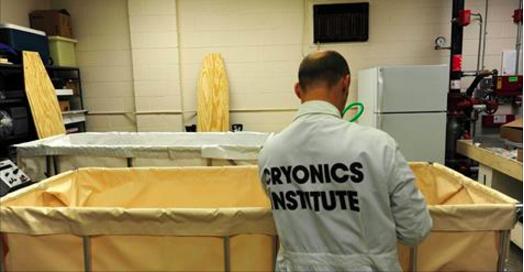 une adolescente obtient le droit d'être cryogénie