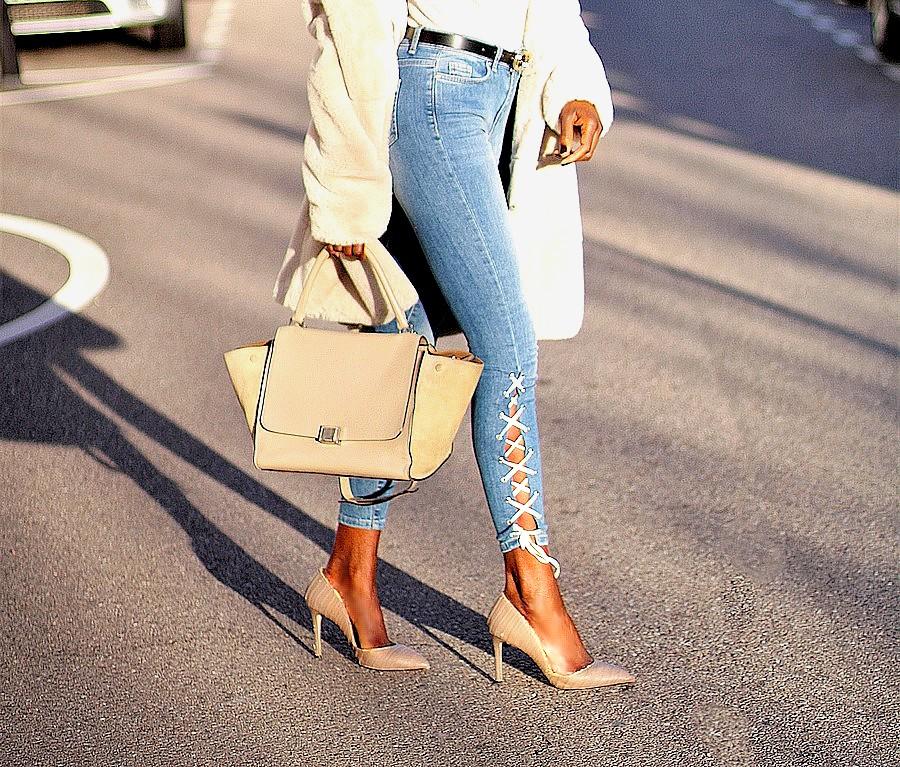 jeans-lacage-pas-cher-sac-celine-trapeze-beige-escarpins-nude