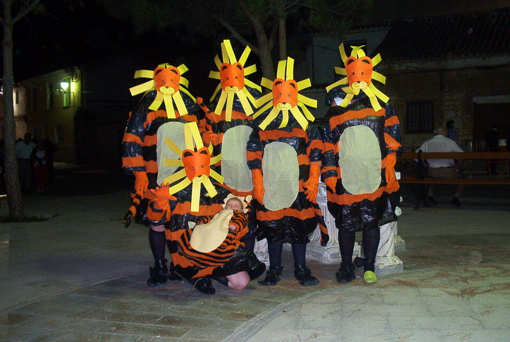 Disfraz De Leon Con Bolsas De Basura Cristina Y Sus Ideas - Disfraz-casero-de-leon