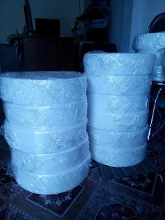 Tấm thớt nhựa tròn dày 100mm dùng làm thớt kê để dần thịt , chặt xương...