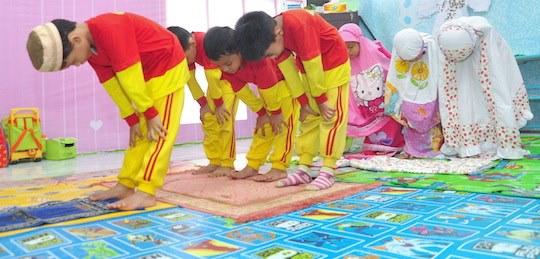 Ini Doa Manjur Agar Anak Rajin Sholat Tanpa Diperintah