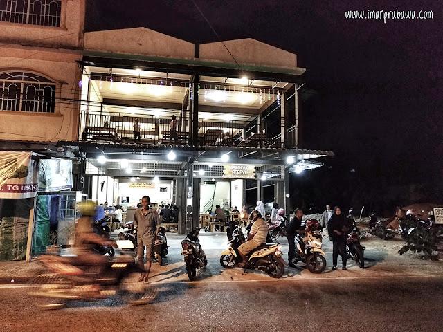 Waroeng Serayu Pulau Bintan di Malam Hari