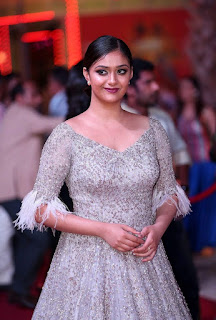 Keerthy Suresh with Cute Smile at SIIMA Awards 3