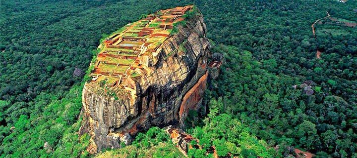 SIGIRIYA KINGDOM,ROCK FORTRESS. 10 Places Not to Miss in Srilanka