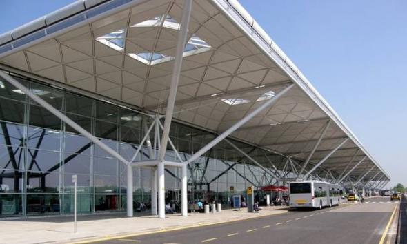 Λήξη συναγερμού στο αεροδρόμιο του Στάνστεντ