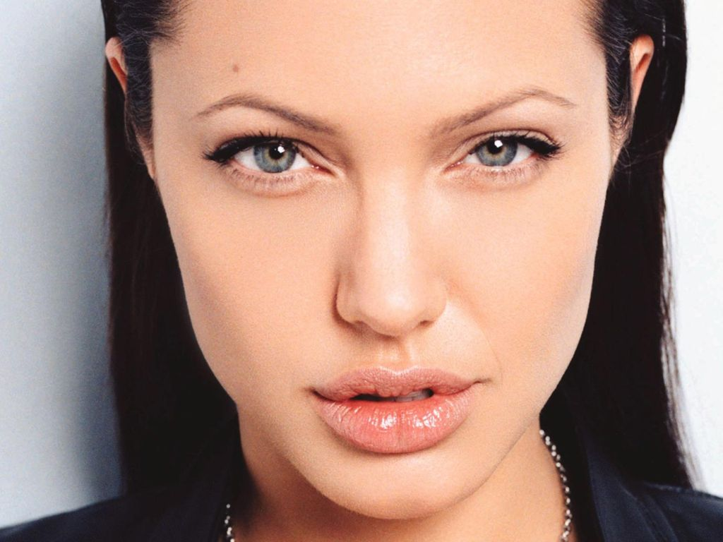 Angelina Jolie Hot Pictures, Photo Gallery  Wallpapers -1014