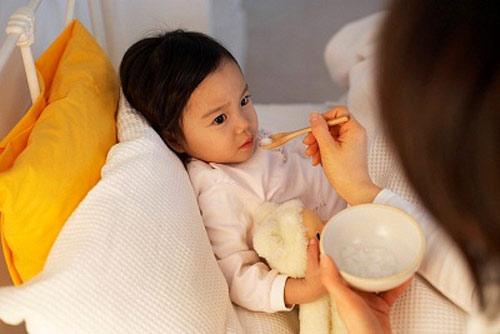 Vậy cha mẹ cần xử lý bệnh tai mũi họng như thế nào?