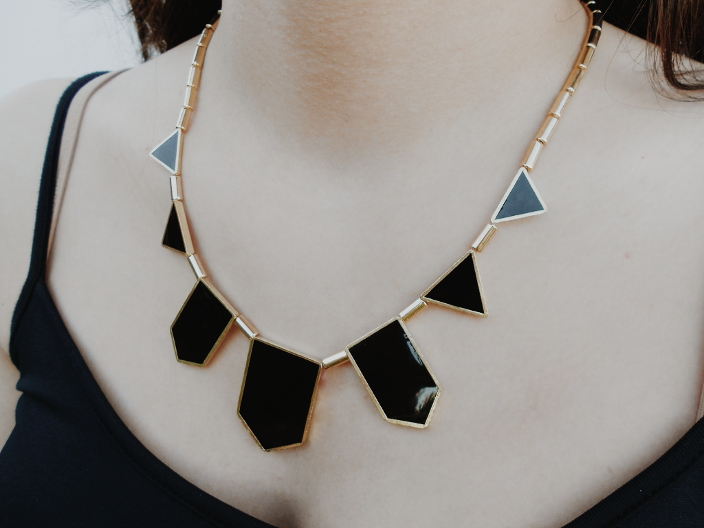 new in | Black necklace