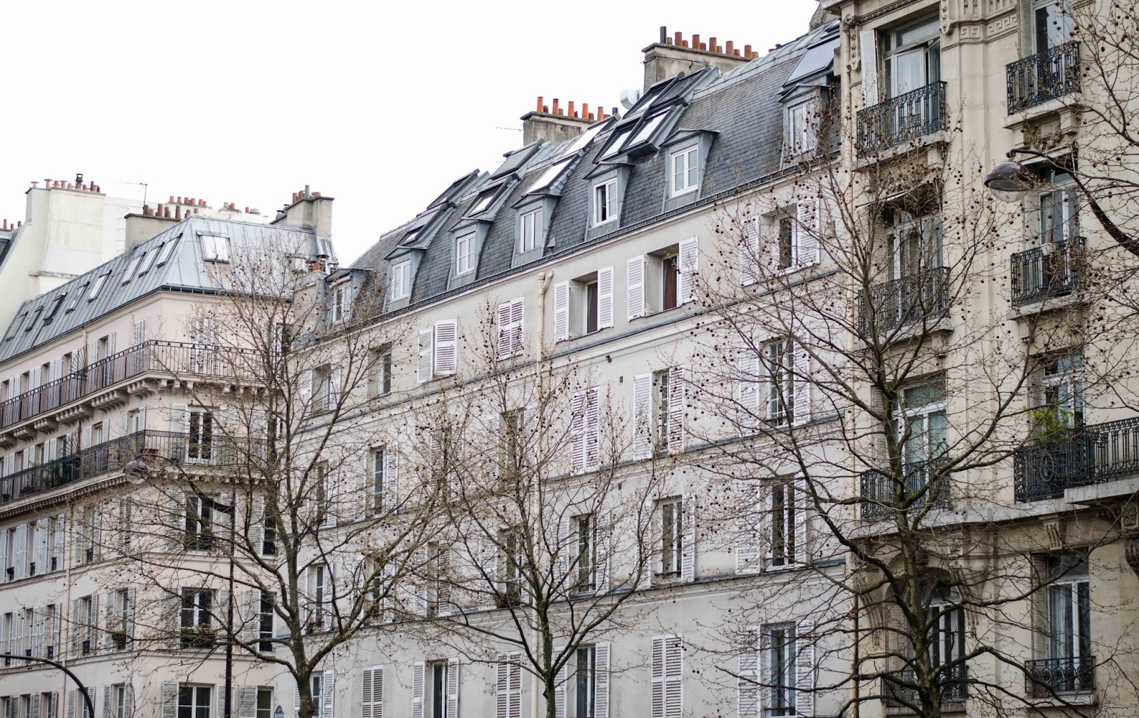 paris streets houses