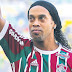 Ronaldinho vai casar com suas duas namoradas em mansão no Rio de Janeiro