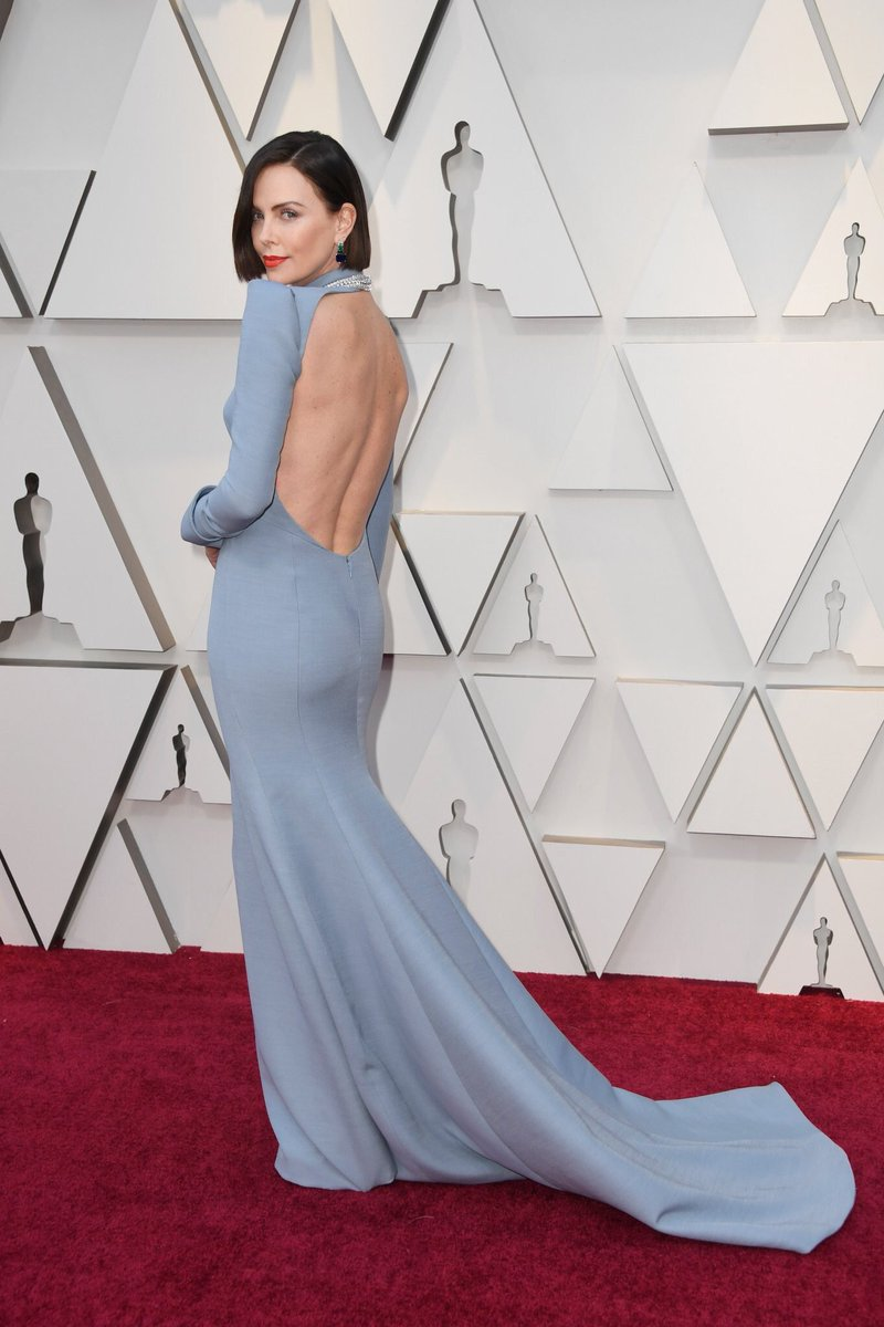 Charlize Theron Goes Backless, Debuts New Hair on Oscars 2019 Red Carpet!