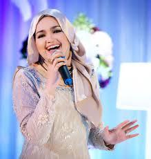 Cara berhijab segi empat Siti Nurhaliza