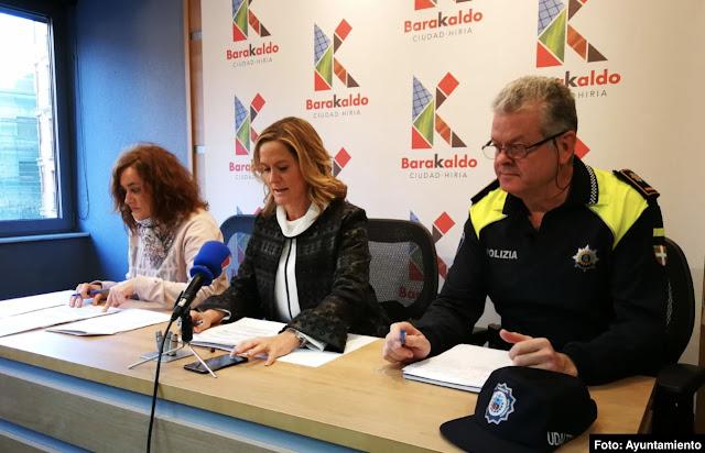 alcaldesa en rueda de prensa sobre seguridad ciudadana