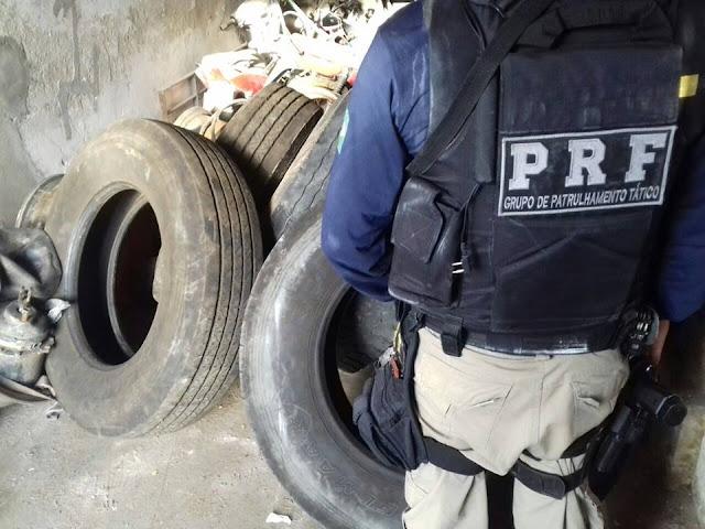 Em Ouro Branco, PRF e 7º BPM realizam operação na BR-423 resultando  em prisões e apreensões de armas e recuperações de veículos e pneus roubados