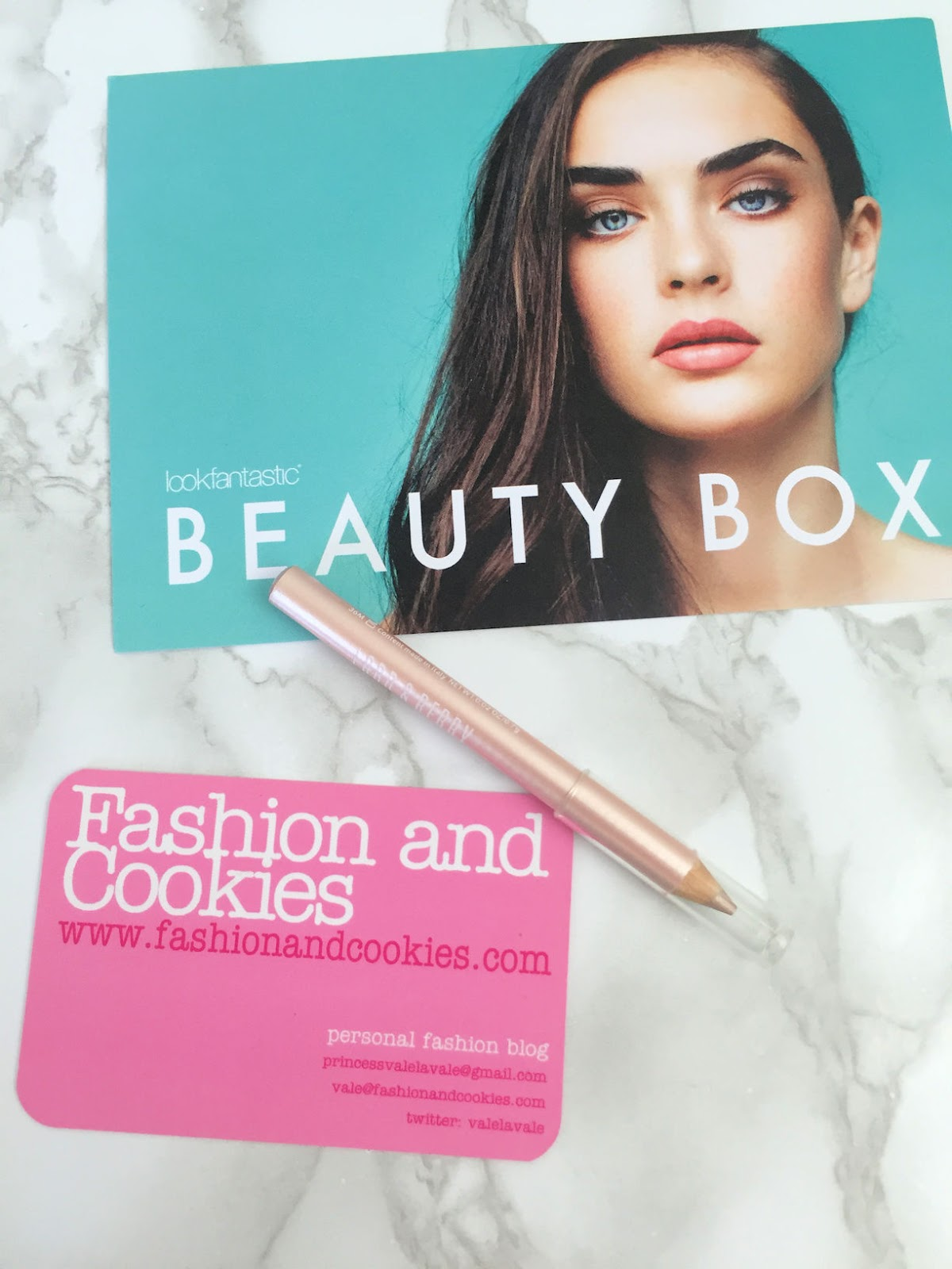 Lookfantastic Beauty Box di Settembre 2016 Lord & Berry strobing pencil recensione su Fashion and Cookies beauty blog, beauty blogger