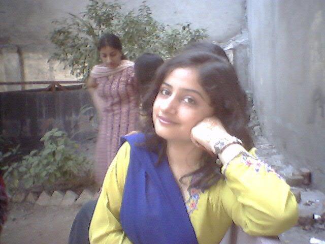 Ilona Wallpapers Pakistani Desi Girls Wallpapers