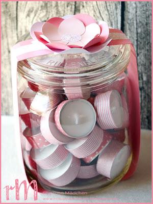 Stampin' Up! rosa Mädchen Kulmbach: Teelichtgläser mit Banderole aus Designerpapier und Blüte mit Luftballonstanze und Partyballons, Teelichter mit Washi Tape