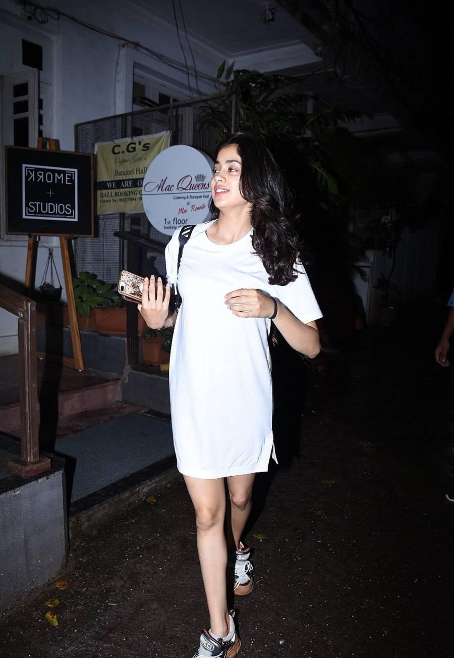 Glamorous Indian Girl Janhvi Kapoor In Mini White Skirt