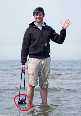 Lustige Fotografen Bilder - Mann Barfuß am Meer