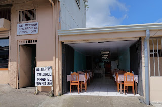 Shoe repair and restaurant in Puriscal.