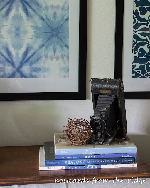 Love this old camera and the DIY Designer Artwork inspired by Pottery Barn. Postcards from the Ridge.