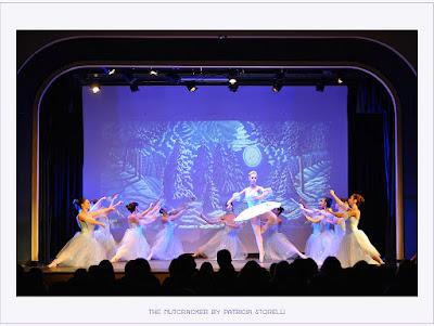1f6d0f0ea56 Σημείωση : Οι φωτογραφίες είναι από τις περσινές παραστάσεις στο Θέατρο της  Σχολής των Ουρσουλινών.