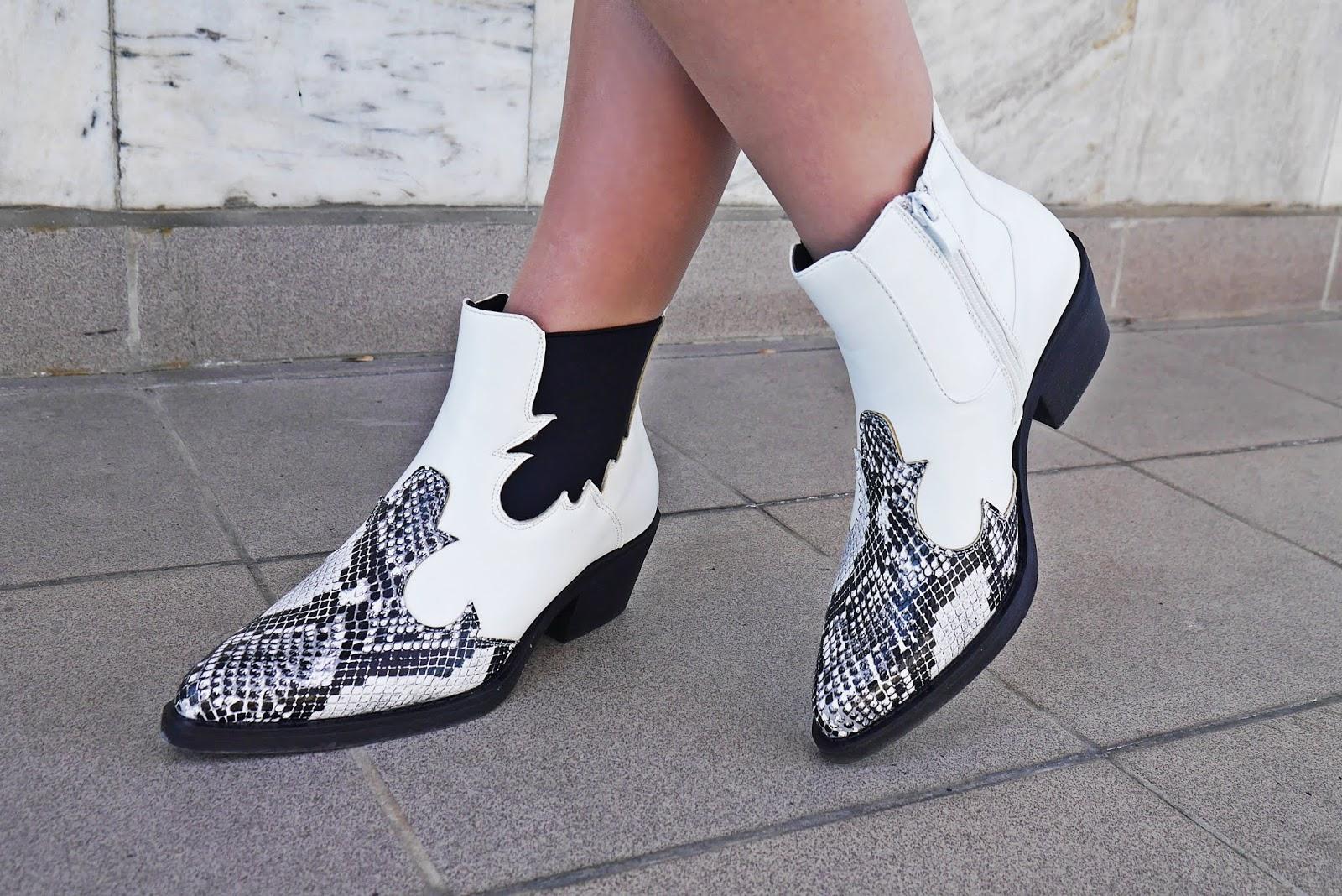 kowbojki renee botki białe w wężowy wzór furthermore karyn blog modowy