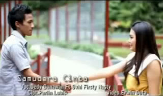 Dedy ft Ovhi Firsty - Samudera Cinta