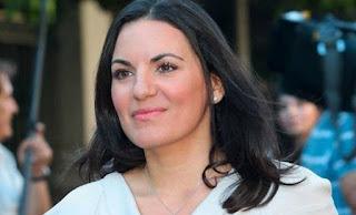 Αγνώριστη Όλγα Κεφαλογιάννη: Δείτε τη με αεράτο παρεό...