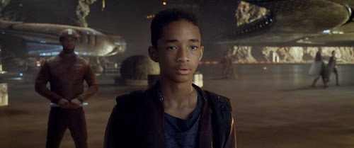 Screen Shot Of Hollywood Movie After Earth (2013) In Hindi English Full Movie Free Download And Watch Online at worldfree4u.com