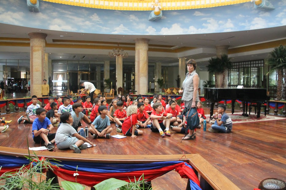 Mr Simon's Grade 4 Class Blog: Filed Trip - Sokha Hotel