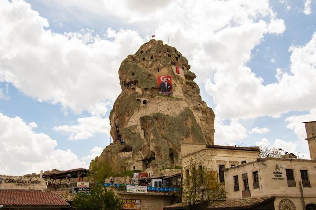 Ortahisar-castello-Cappadocia