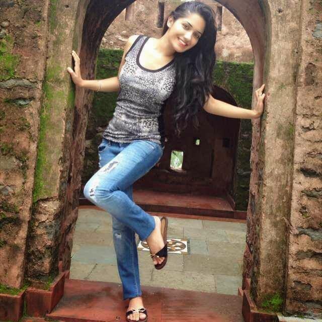 All Bollywood Girl Hd Wallpaper Punjabi Model Ruhani Sharma Hd Wallpapers Photos